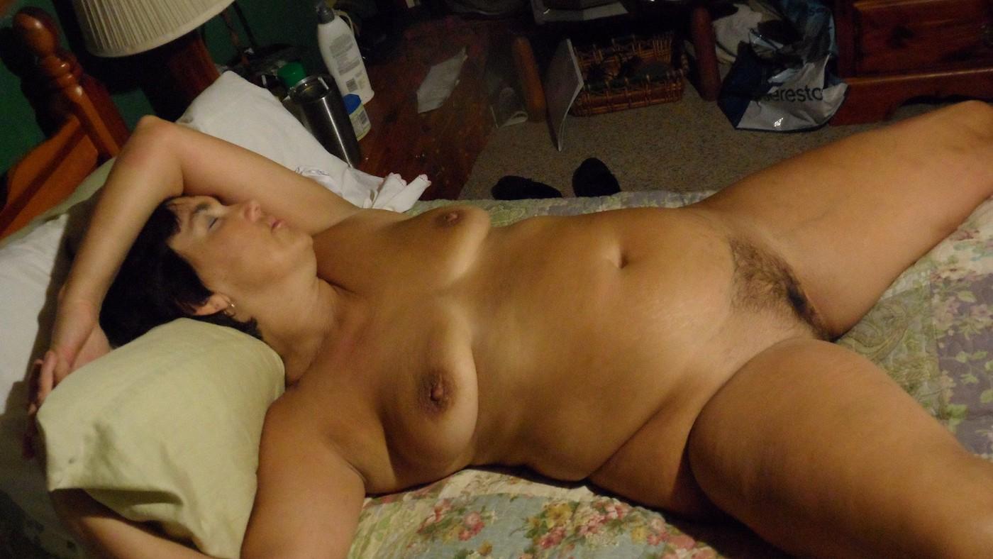 Спит голая женщина, Голые спящие девушки (100 фото) - порно фото 24 фотография